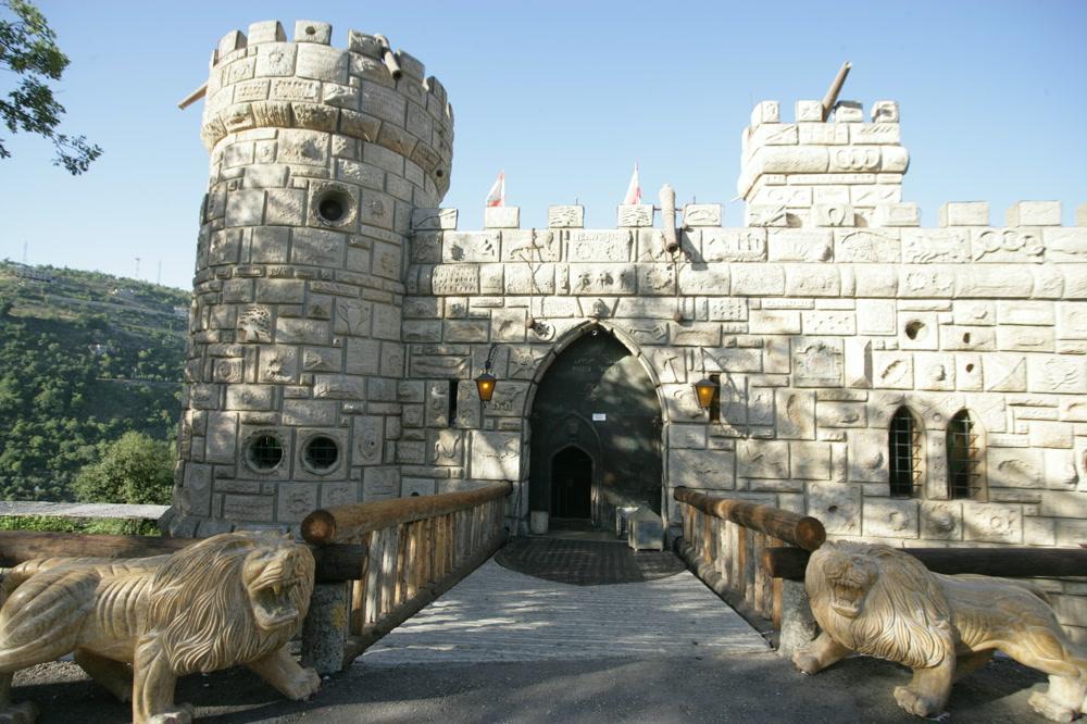 Moussa-Castle-Chouf-Lebanon-1418053859499